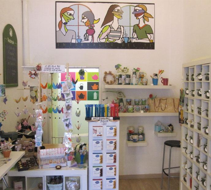 interno-negozio-teabreak-graphic-design